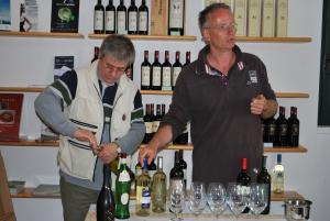 wijnproeverij bij Fazi Battaglia